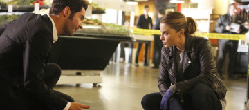 "LUCIFER: L-R: Tom Ellis and Lauren German in the ""Pops"" episode of LUCIFER airing Monday, March 28 (9:01-10:00 PM ET/PT) on FOX. ©2016 Fox Broadcasting Co. CR:Bettina Strauss/FOX"