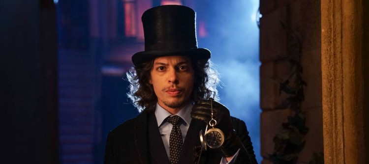 "GOTHAM: Benedict Samuel in the""Mad City: Look Into My Eyes"" episode of GOTHAM airing Monday, Oct. 3 (8:00-9:01 PM ET/PT) on FOX.  ©2016 Fox Broadcasting Co. Cr: Jessica Miglio/FOX."
