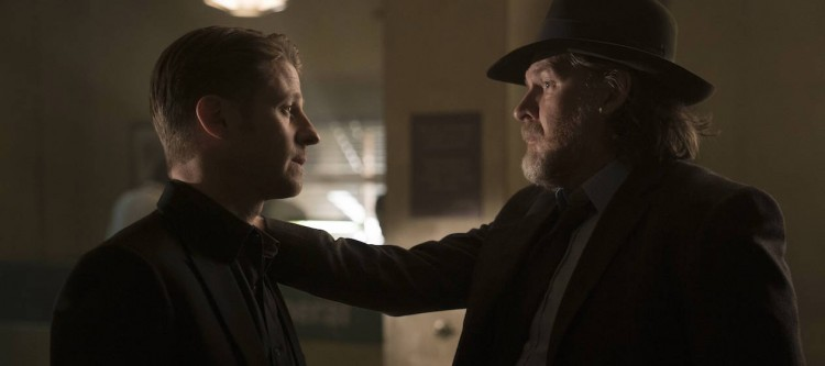 "GOTHAM: L-R: Ben McKenzie and Donal Logue in the ""Mad City: Follow the White Rabbit"" episode of GOTHAM airing Monday, Oct. 24 (8:00-9:01 PM ET/PT) on FOX.  ©2016 Fox Broadcasting Co. Cr: Jessica Miglio/FOX."