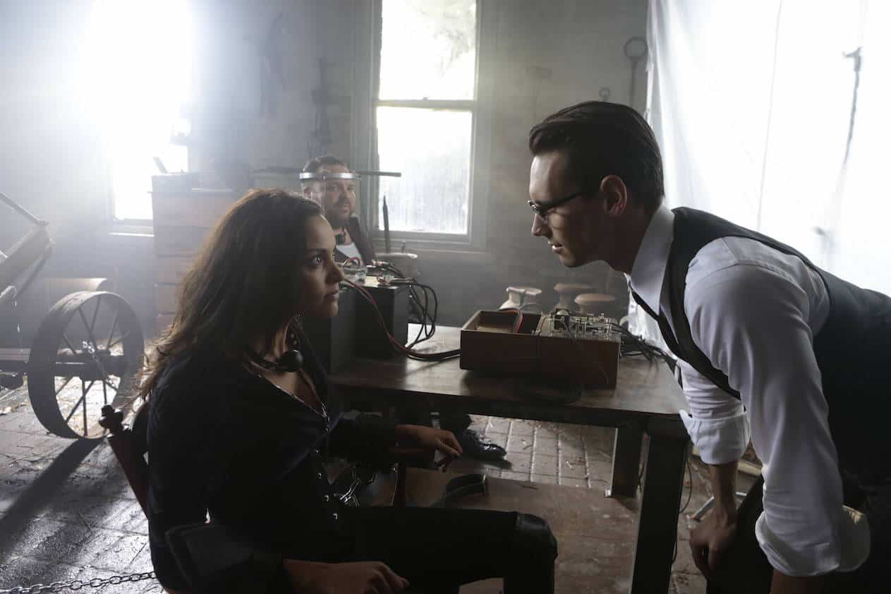"GOTHAM: L-R: Jessica Lucas, Drew Powell and Cory Michael Smith in the ""Mad City: Time Bomb"" episode of GOTHAM airing Monday, Nov. 21 (8:00-9:01 PM ET/PT) on FOX. Cr: FOX."