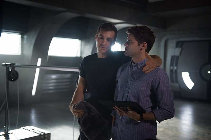 "Supergirl -- ""Survivors"" -- Image SPG204a_0041 -- Pictured (L-R): Chris Wood as Mike/Mon-El and Jeremy Jordan as Winn Schott - Photo: Diyah Pera/The CW -- © 2016 The CW Network, LLC. All Rights Reserved"