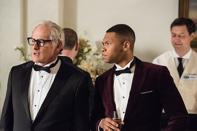 "DC's Legends of Tomorrow --""Compromised""-- Image LGN205b_0020.jpg -- Pictured (L-R): Victor Garber as Professor Martin Stein and Franz Drameh as Jefferson ""Jax"" Jackson -- Photo: Dean Buscher/The CW -- © 2016 The CW Network, LLC. All Rights Reserved."