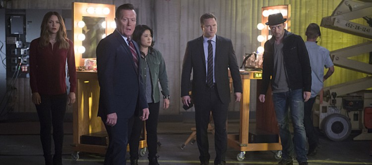 """""""We're Gonna Need a Bigger Vote"""" -- On Election Day, as democracy hangs in the balance, Team Scorpion is called on when someone tries to throw the U.S. presidential election into chaos, on SCORPION, Monday, Nov. 7 (10:00-11:00 PM, ET/PT), on the CBS Television Network. Pictured: Katharine McPhee, Robert Patrick,  Jadyn Wong, ,Scott Porter. Eddie Kaye Thomas Photo: Neil Jacobs/CBS ©2016 CBS Broadcasting, Inc. All Rights Reserved"""
