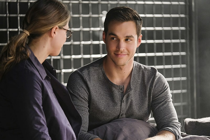 """Supergirl -- """"Crossfire"""" -- Image SPG205b_0064 -- Pictured (L-R): Melissa Benoist as Kara/Supergirl and Chris Wood as Mon-El - Photo: Robert Falconer /The CW -- © 2016 The CW Network, LLC. All Rights Reserved"""