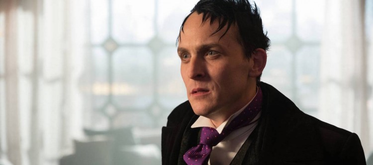 """GOTHAM: Robin Lord Taylor in the """"Mad City: Smile Like You Mean It"""" episode of GOTHAM airing Monday, Jan. 23 (8:00-9:01 PM ET/PT) on FOX. Cr: Jessica Miglio/FOX."""