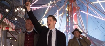 "GOTHAM: L-R: Sean Pertwee, Ben McKenzie and Donal Lgoue in the ""Mad City: The Gentle Art of Making Enemies"" winter finale episode of GOTHAM airing Monday, Jan. 30 (8:00-9:01 PM ET/PT) on FOX. Cr: Jessica Miglio/FOX."