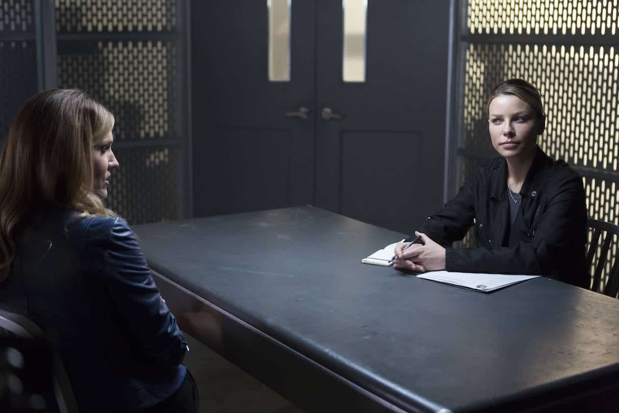 "LUCIFER: L-R: Tricia Helfer and Lauren German in the ""Stewardess Interruptus"" episode of LUCIFER airing Monday, Jan. 16 (9:01-10:00 PM ET/PT) on FOX. ©2017 Fox Broadcasting Co. Cr: Michael Courtney/FOX."