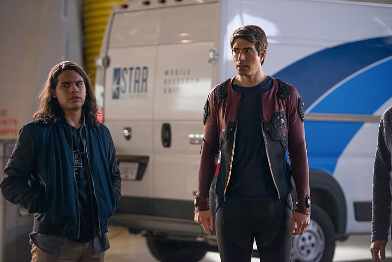 "DC's Legends of Tomorrow --""Invasion""-- Image LGN207c_0253.jpg -- Pictured (L-R): Carlos Valdes as Cisco Ramon and Brandon Routh as Ray Palmer/Atom -- Photo: Diyah Pera/The CW -- © 2016 The CW Network, LLC. All Rights Reserved."