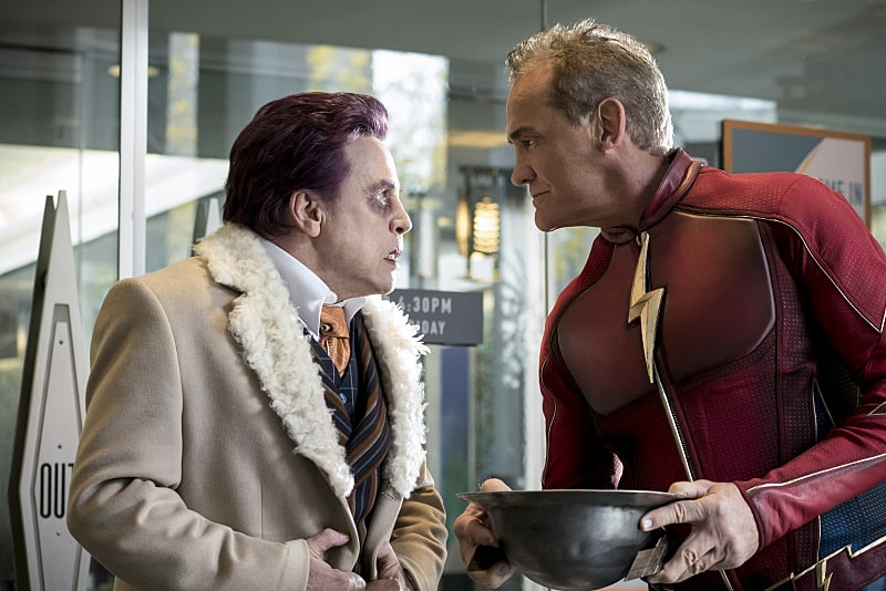"The Flash -- ""The Present"" -- Image FLA309a_0058b.jpg -- Pictured (L-R) Mark Hamill as James Jesse and John Wesley Shipp as Jay Garrick -- Photo: Katie Yu/The CW -- © 2016 The CW Network, LLC. All rights reserved."