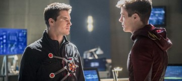 "The Flash -- ""Into the Speed Force"" -- FLA316a_0100b.jpg -- Pictured (L-R): Robbie Amell as Ronnie and Grant Gustin as Barry Allen -- Photo: Diyah Pera/The CW -- © 2017 The CW Network, LLC. All rights reserved."