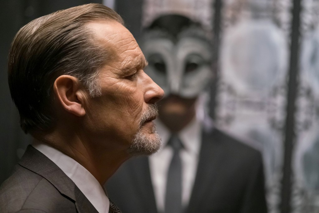 """GOTHAM: L-R: Guest star James Remar in the """"Heroes Rise: These Delicate and Dark Obsessions"""" episode of GOTHAM airing Monday, May 1 (8:00-9:01 PM ET/PT) on FOX. Cr: Jeff Neumann/FOX"""