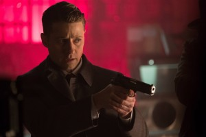 """GOTHAM: Ben McKenzie in the """"Heroes Rise: Light The Wick"""" episode of GOTHAM airing Monday, May 15 (8:00-9:01 PM ET/PT) on FOX. Cr: Jessica Miglio/FOX"""
