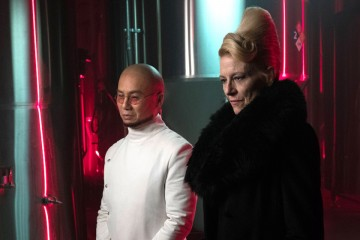 "GOTHAM: L-R: Guest stars BD Wong and Leslie Hendrix in the ""Heroes Rise: Light The Wick"" episode of GOTHAM airing Monday, May 15 (8:00-9:01 PM ET/PT) on FOX. Cr: Jessica Miglio/FOX"