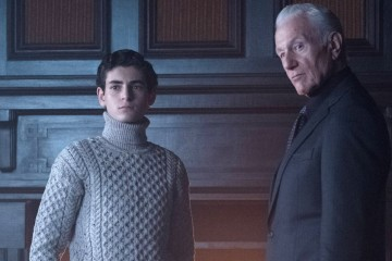 "GOTHAM: L-R: David Mazouz and guest star Raymond J. Barry in the ""Heroes Rise: Pretty Hate Machine"" episode of GOTHAM airing Monday, May 29 (8:00-9:01 PM ET/PT) on FOX.  Cr: Jeff Neumann/FOX"